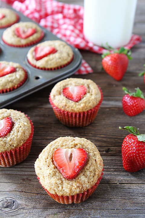 Whole Wheat Strawberry Banana Muffins-hearty banana muffins with juicy ...