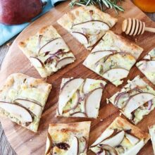 Blue-Cheese-and-Pear-Flatbread-10