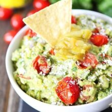 Green-Chile-and-Roasted-Tomato-Guacamole-5