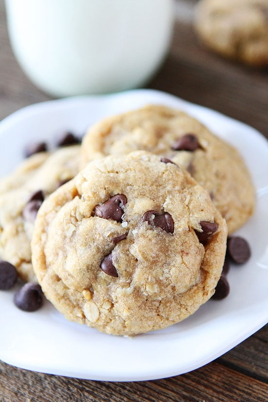 Whole Wheat Oatmeal Chocolate Chip Cookies-you will never guess these ...