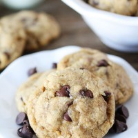 Whole-Wheat-Oatmeal-Chocolate-Chip-Cookies-3