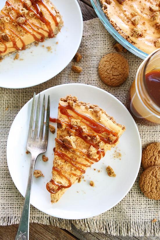 5-Ingredient Pumpkin Ice Cream Pie Recipe