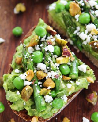 Avocado-Asparagus-Toast-6