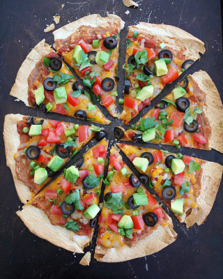 Crispy-Mexican-Tortilla-Pizza--6