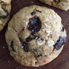 oatmeal-chocolate-chunk-cookies