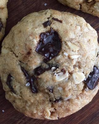 oatmeal-chocolate-chunk-cookies