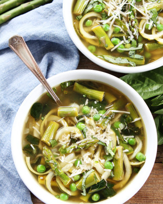 Spring-Vegetable-Zucchini-Noodle-Soup-4