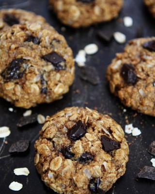 Whole-Wheat-Banana-Coconut-Chocolate-Chunk-Cookies-1