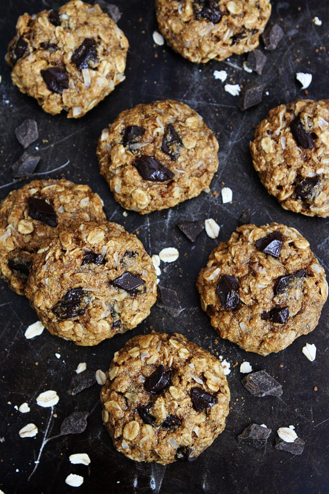 Banana Coconut Oatmeal Chocolate Chunk Cookies-these healthy cookies ...