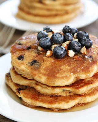 Blueberry-Almond-Pancakes-3