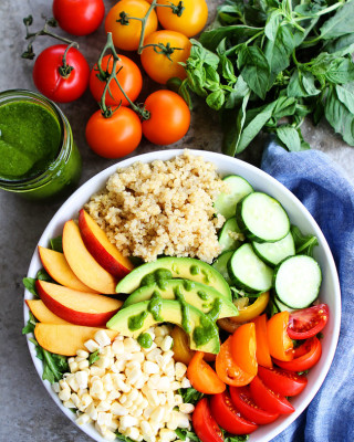 Summer-Quinoa-Bowl-2