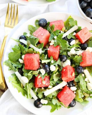 Watermelon,-Blueberry,-and-Jicama-Arugula-Salad-4