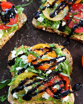 Avocado,-Tomato,-Goat-Cheese-Toast-3