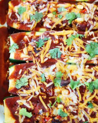 Black-Bean-and-Quinoa-Enchilada-Zucchini-Boats-5