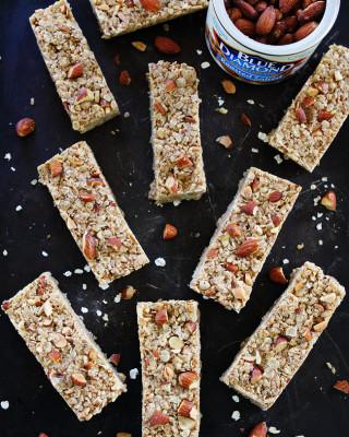 No-Bake-Almond-Butter-Granola-Bars-1