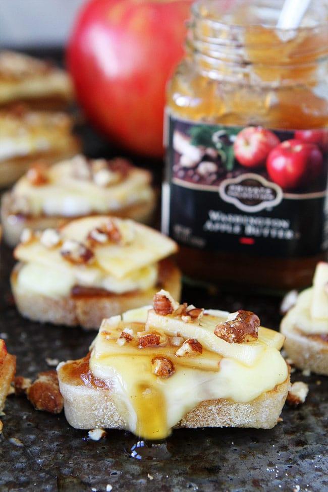 Brie, Apple, and Honey Crostini Recipe