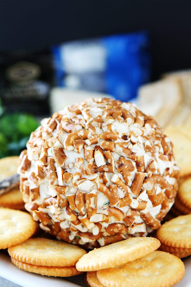 Bacon Cheddar Pretzel Cheese Ball Recipe